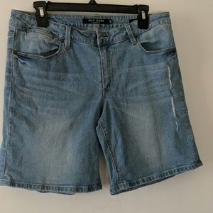 🏷️ 3 for $15 🏷️ Max Jeans shorts